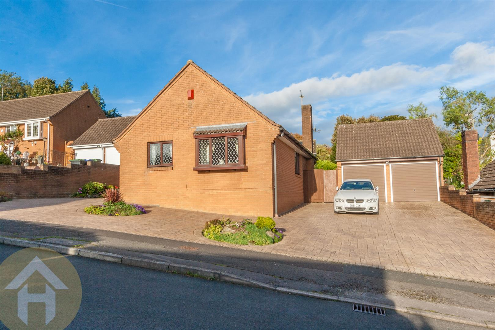 3 Bedrooms Detached Bungalow for sale in Glebe Road, Royal Wootton Bassett